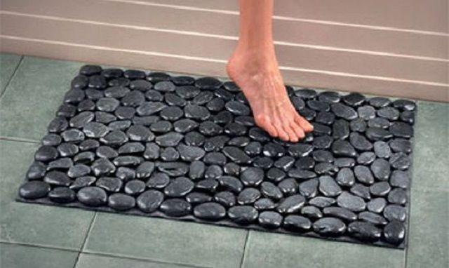 Силиконовый коврик, выполненный в стиле мощёной галькой дорожки