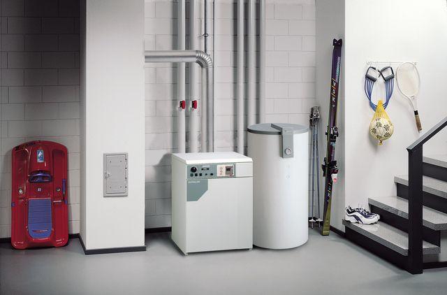 Котлы средней мощности часто устанавливают в подсобных помещениях дома