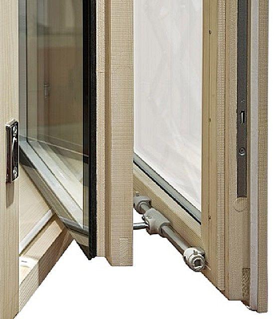 Окно с одинарным стеклом на внешней  раме