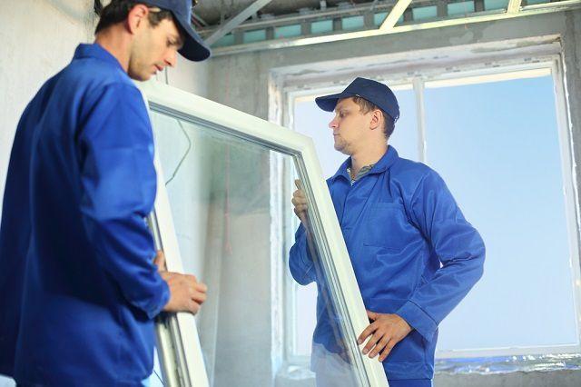 Замену окон и входных дверей рекомендуется доверить специалистам