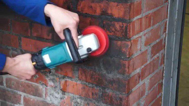 Стены для подобного утепления требуют качественной очистки