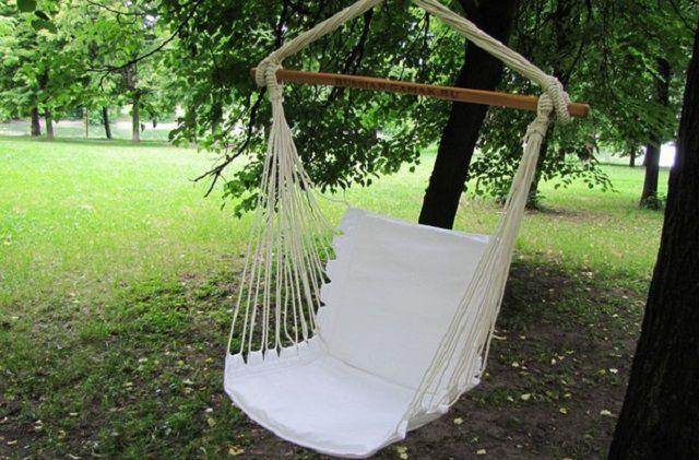 Бескаркасное кресло - только ткань, поролон и прочные шнуры
