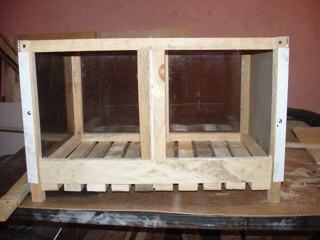 Несложный в изготовлении ящик для гнезд на двух уток-несушек