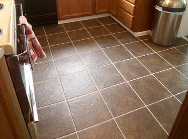 Керамическая плитка была и остается лидером по популярности среди других покрытий пола на кухне