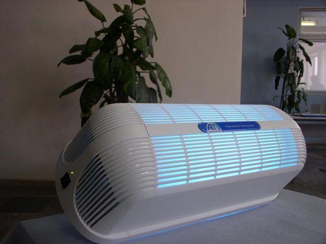 Почти идеальную, близкую к стерильной, очистку воздуха дают приборы с системой фотокатализа и УФ-облучения