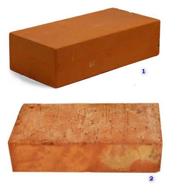 Визуальная разница между кирпичами полусухого прессования и пластичной формовки