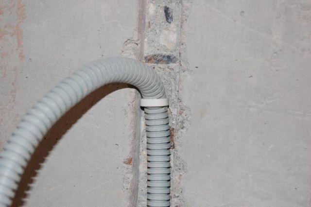 Первая точка крепления кабеля