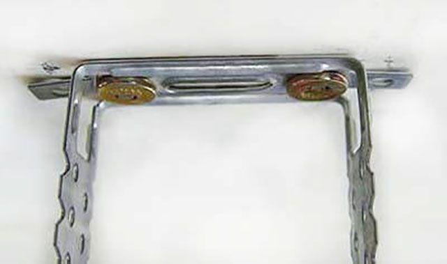 Прямой подвес, смонтированный на анкер-клины