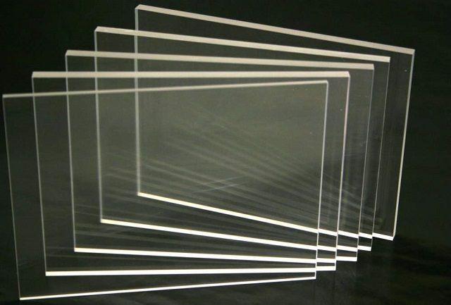 Одним из материалов для производства прозрачного шифера является акриловое оргстекло