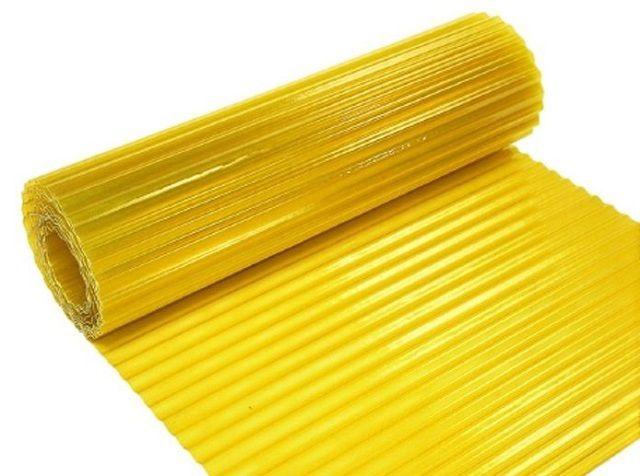 Пластиковый шифер может реализовываться в рулонах большой длины