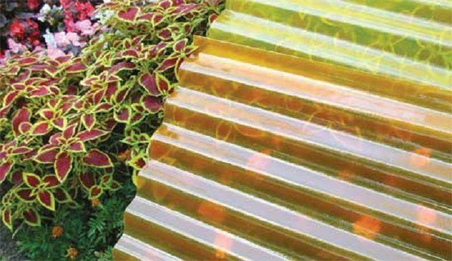 Шифер из стеклопластика выпускается в богатом оттеночном разнообразии