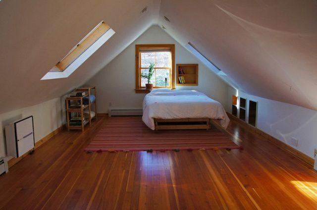Даже небольшой по размерам чердак вполне можно превратить в уютную жилую комнату.