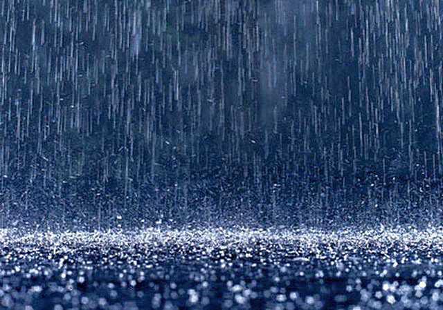 Утепленные скаты кровли – это еще и хорошая зашита от шума, вызываемого ливневыми дождями или градом