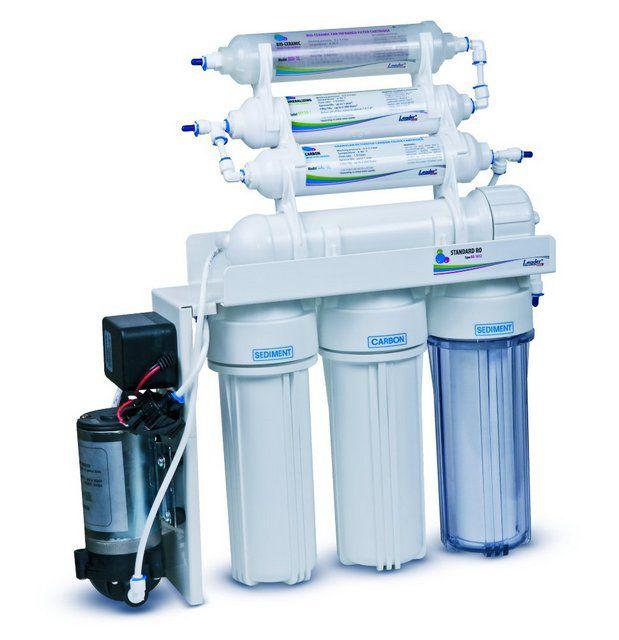 Пример модели фильтра под мойку с блоком обратноосмотической очистки и встроенной помпой