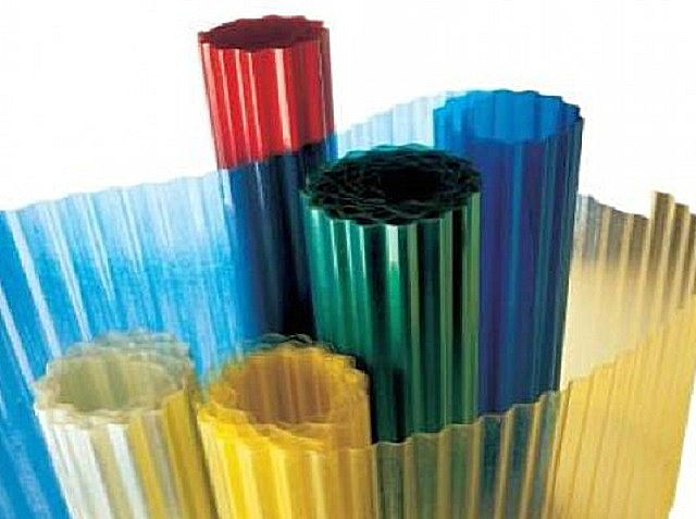 Пластиковый шифер рулонного типа