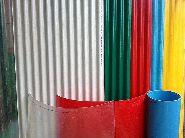 Пластиковый шифер: разновидности и инструкция по монтажу