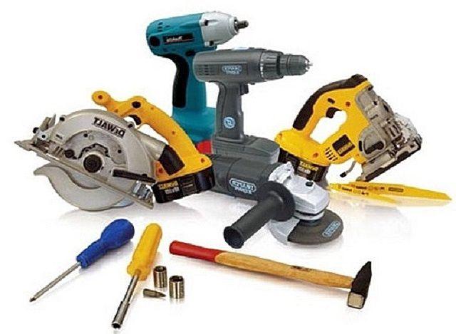 Изготовление любого предмета мебели требует использования качественных инструментов