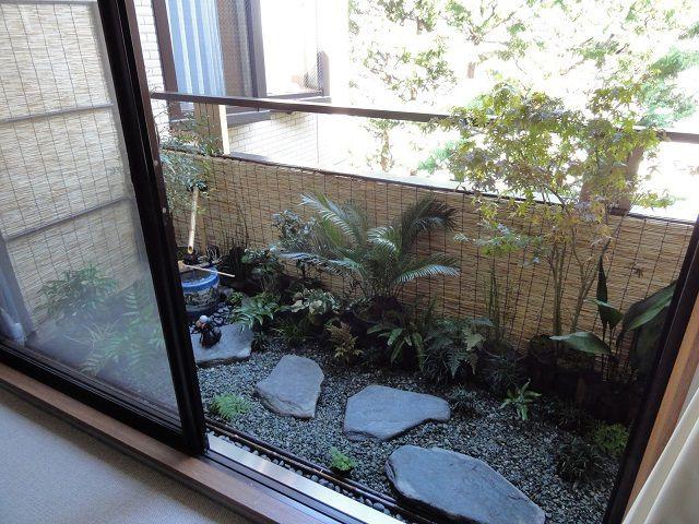 Даже так – на балконе создан «японский садик»