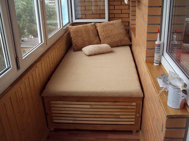 «Продуманная» кровать вполне способна стать вместительным хранилищем для вещей