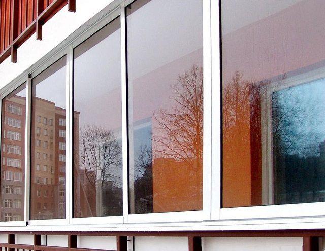 Холодное остекление защитит только от дождя, снега, ветра и переносимой им пыли