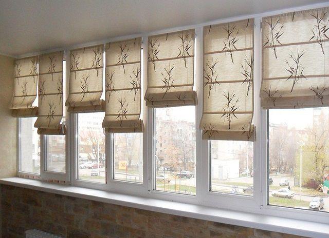 Римские шторы могут быть полностью непрозрачными или же пропускать определенное количество дневного света