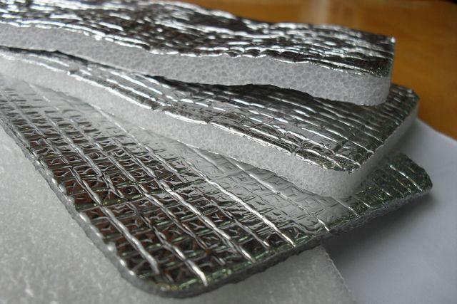 Использование пенофола резко повышает эффективность системы термоизоляции.