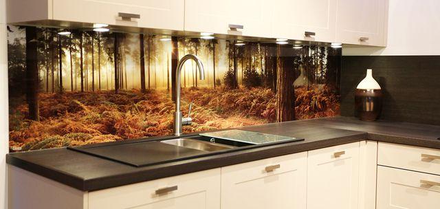 Фартуки из стекла позволяют воплотить в жизнь любое дизайнерское решение