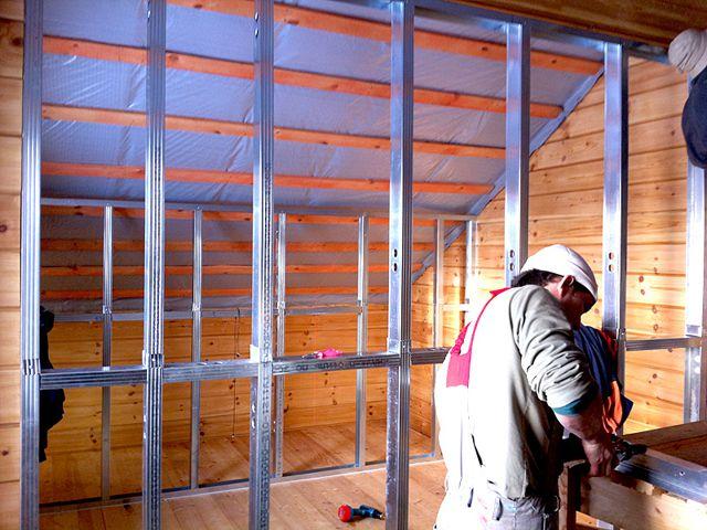 Из гипсокартона в деревянном доме могут сооружаться перегородки