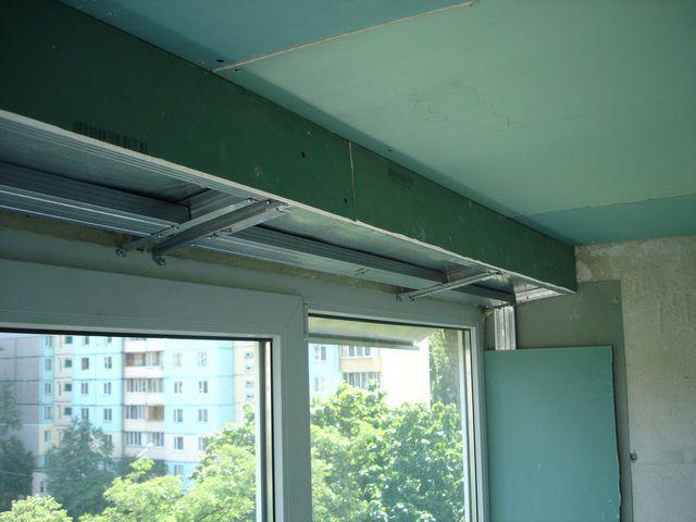 Потолок из гипсокартона может стать отличной основой для практически любой дальнейшей декоративной отделки.