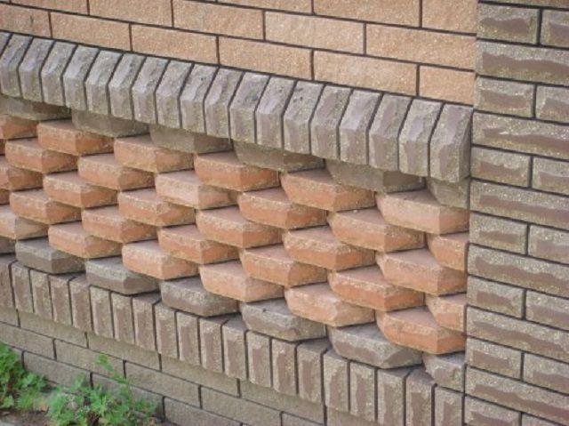 Любая стена, облицованная кирпичом, принимает совсем иной вид