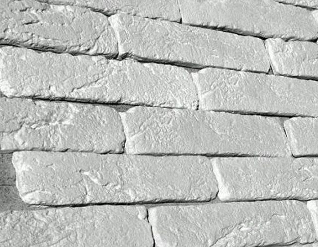 Один из самых доступных по стоимости материалов – гипсовая облицовочная плитка «под кирпич»