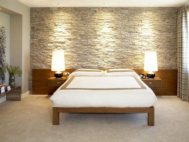 Камень – безопасный с точки зрения экологии материал, и такая облицовка может найти место в спальной или гостиной