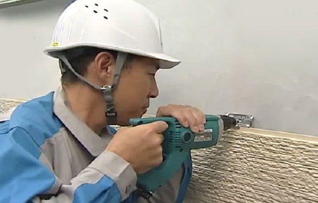 Вариант с креплением кляймеров непосредственно к стене здания