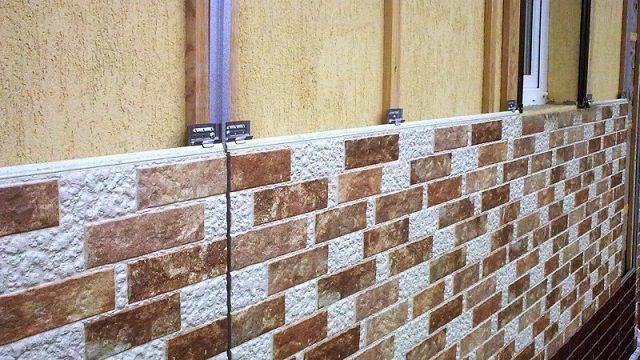 Панели могут крепиться как непосредственно к стене, так и к направляющим каркасной конструкции