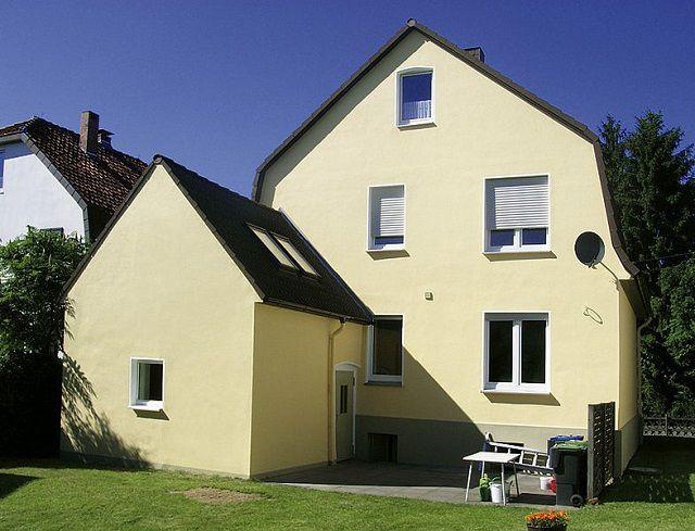 Про существование фасадных обоев многие владельцы частных домов даже не слышали!