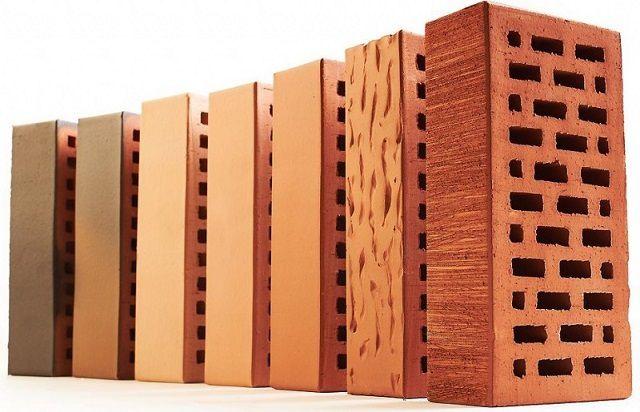 Обычный керамический кирпич – из категории наиболее доступных