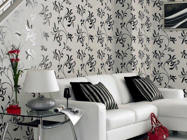 В черно-белом оформлении любое яркое пятно мгновенно изменяет общее «настроение» стиля