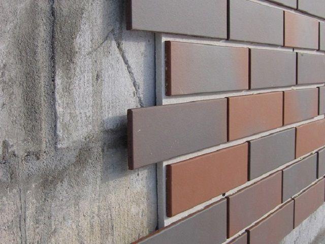 Монтаж облицовочных панелей непосредственно на стену цоколя