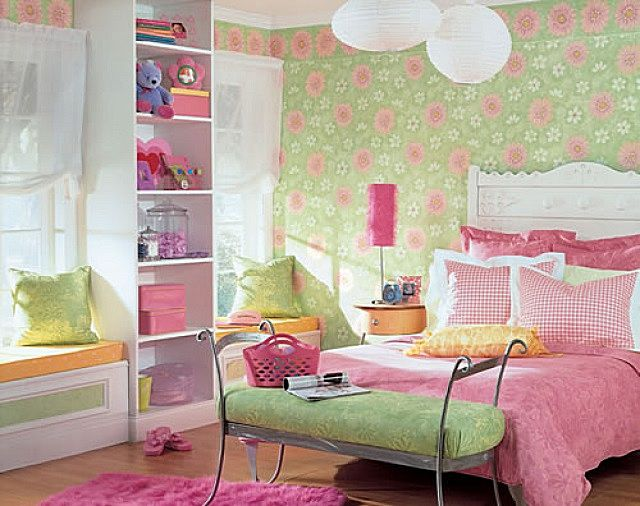 Очень удачное сочетание для девичьей комнаты – нежные зеленые и розовые оттенки