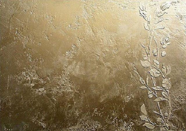 Очень красиво смотрятся участки стен, отделанных в технике «венецианской штукатурки»