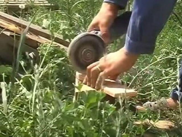 Шлифмашинка позволяет при необходимости выполнить вырезание угловых фрагментов плитки