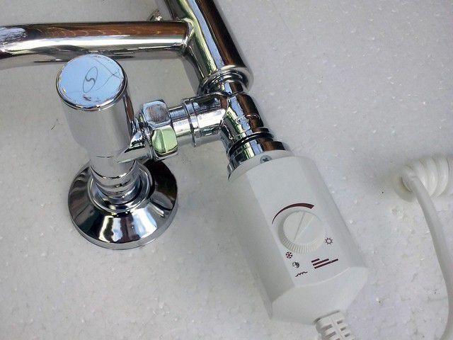 Полотенцесушители комбинированного типа подчиняются при подключении к трубной разводке общим правилам