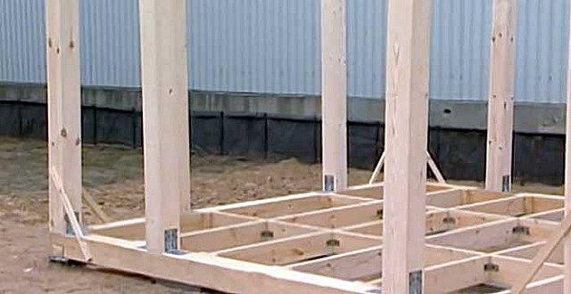 Один из способов – каркас стен собирается из деталей непосредственно по месту его установки