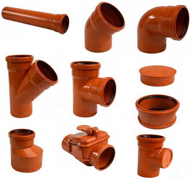 Разнообразие дополнительных фурнитурных элементов для канализационных труб позволяет собирать системы любой степени сложности