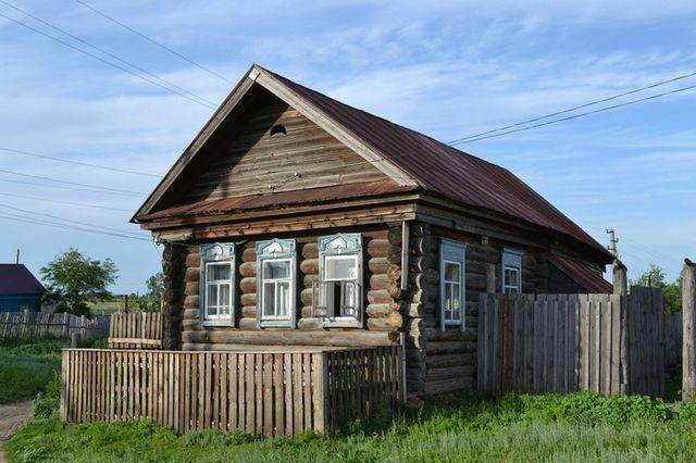 В домах старой постройки проблемы вентиляции не стояли столь остро – сама их конструкция подразумевала определённый постоянный воздухообмен