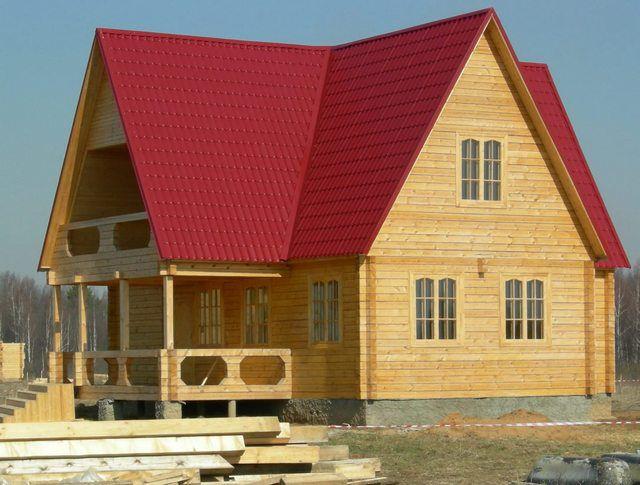 Дом с высоким фронтоном – смотрится не совсем однозначно