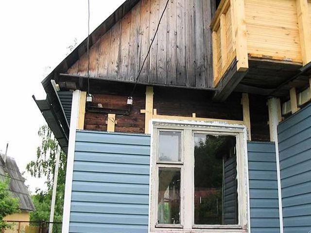 Процесс превращения ветхого строения в современный дом