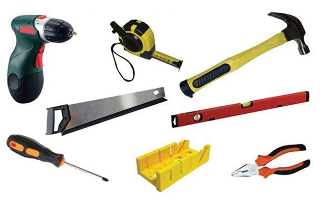 Для обработки и монтажа сайдинга требуется очень простой инструмент
