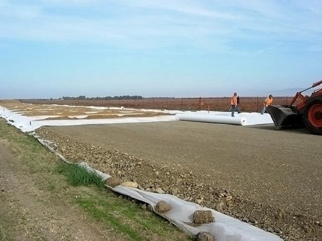 Широчайшее применение получил геотекстиль в дорожном строительстве
