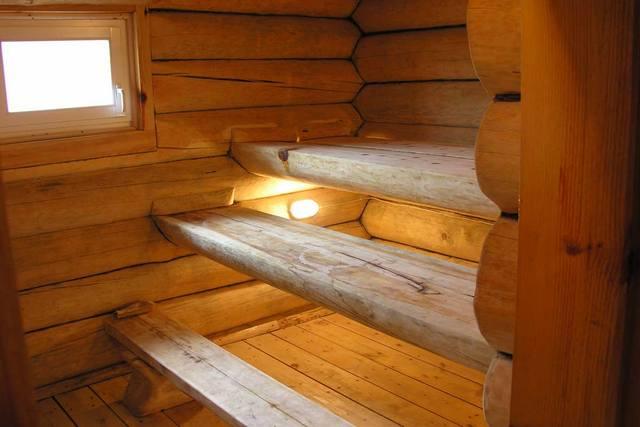 Бревенчатые стены парной потребуют весьма значительного количества тепла для полноценного прогрева